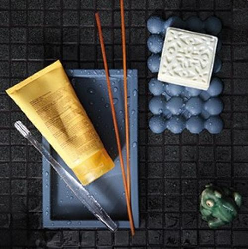 Geelli | Adhesive Bathroom Items