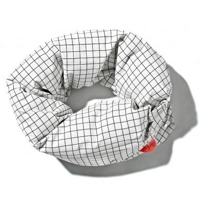 Kettenkissen Schwarz-Weiß | Quadratisch