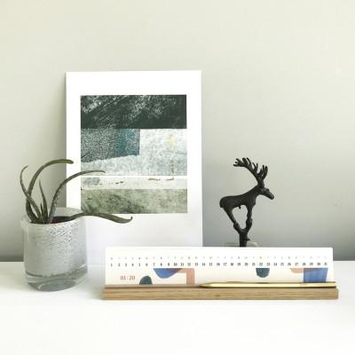 Tischkalander mit Halter 2020 XL   Farblack
