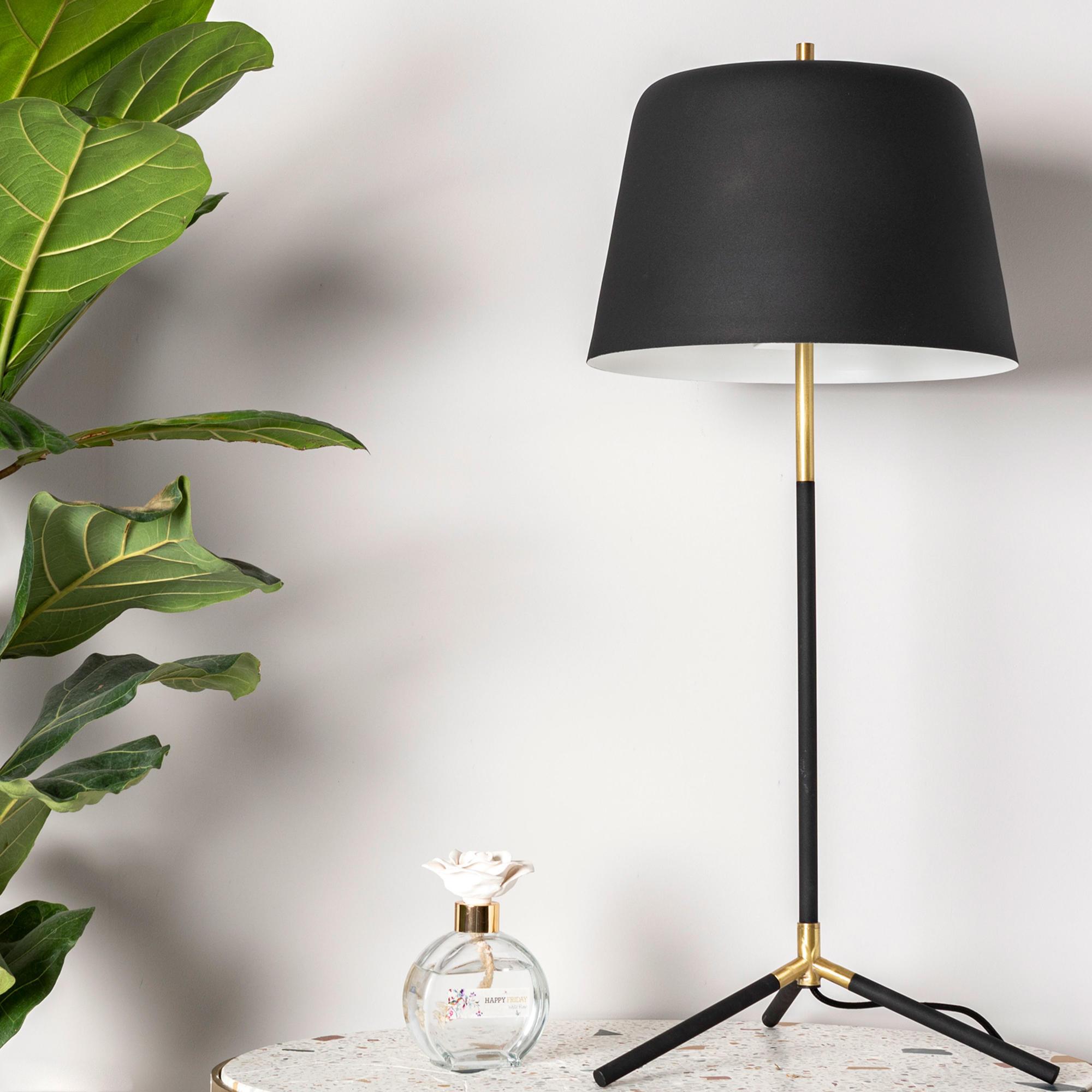 Table Lamp Tripod Long   Black