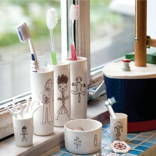 Tootbrush Vases Bertram Family Complete