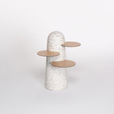 BoBo Beistelltisch   Leichter Terrazzo mit Holzblättern