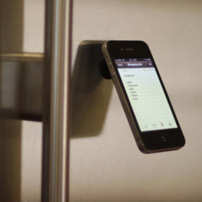 The Oona Smart Phone Stand