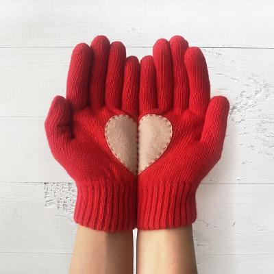 Handschuhe   Rot mit Beigem Herz