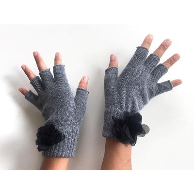 Handschuhe ohne Fingerspitzen   Grau & Schwarze Blume