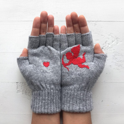 Handschuhe ohne Fingerspitzen Cupid & Herz   Grau