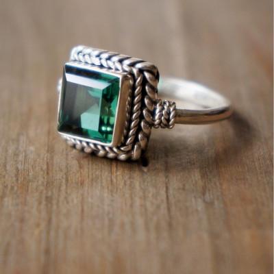 Eartha Ring