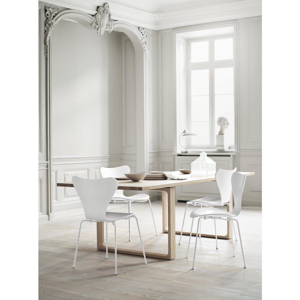 Serie 7 3107 Einfarbiger Stuhl | Weiß