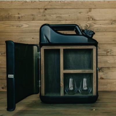 Jerrycan Gin Bar | Schwarz