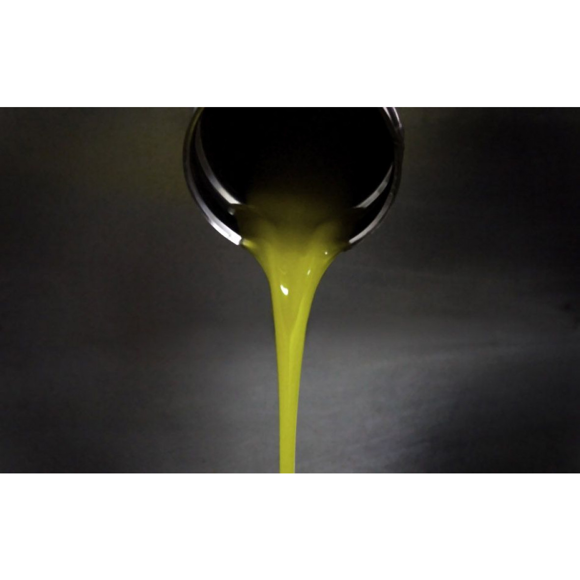 Organic Extra Virgin Olive Oil And Extra Virgin Olive Oil | Packed in wood