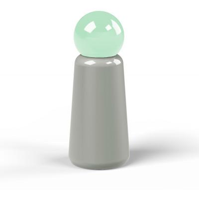 Wiederverwendbare Trinkflasche Skittle | 30 cl | Grau & Deckel Hellblau