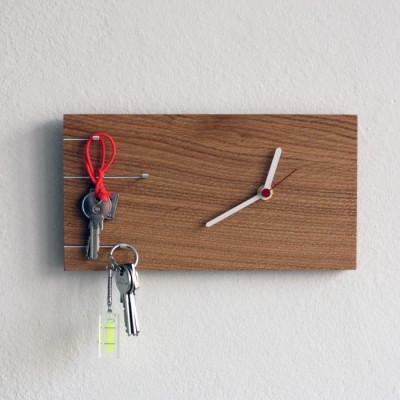 NOVA Key Holder with Clock