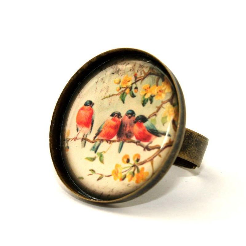 4 rode vogels op een rij Ronde Cameo Ring