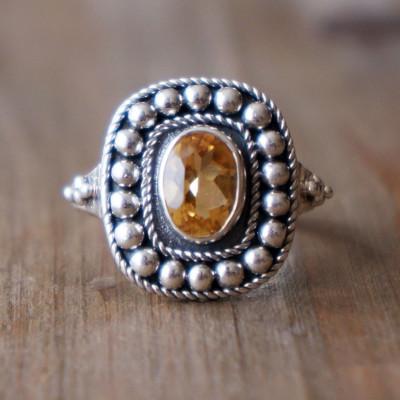 Uma Ring