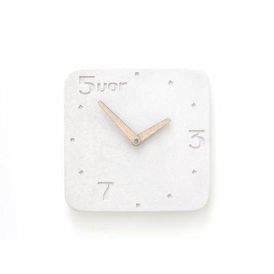 Uhr aus Beton 5vor | Weiß