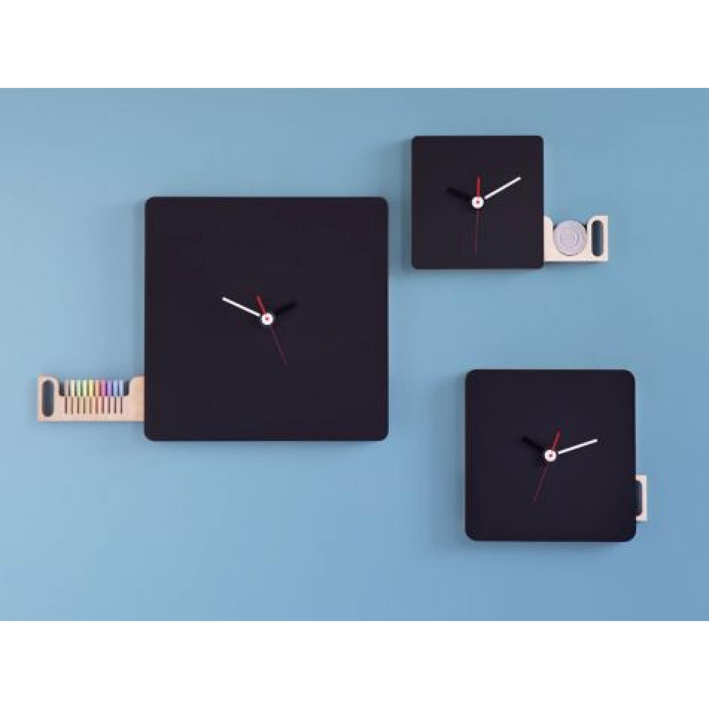 Tabla Wall clock