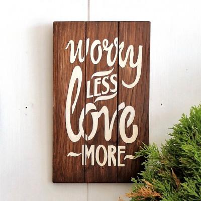 Dekoratives Holzwandzubehör Worry Less | Walnuss
