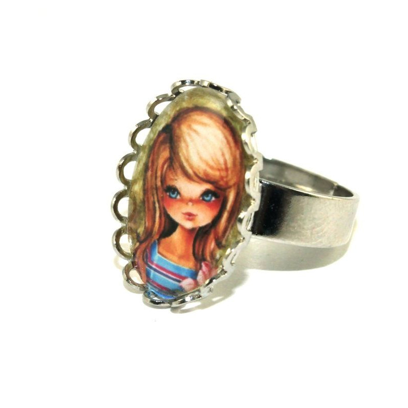 Vintage Girl Lacy Cameo Ring