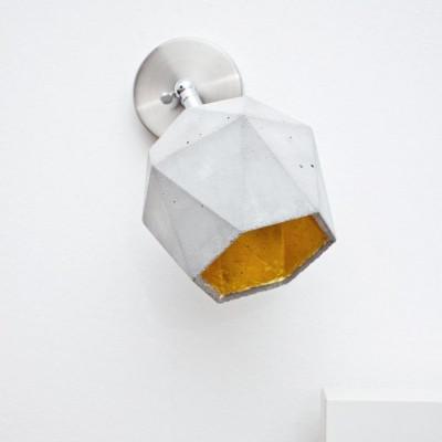 Spot Wandleuchte [T2] Dreieck | Beton & Gold