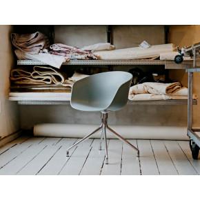 About A Chair AAC20 | Aluminium Revêtu Poudré Blanc & Blanc