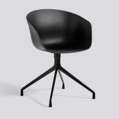 Über einen Stuhl AAC20 | Schwarzes pulverbeschichtetes Aluminium & Schwarz