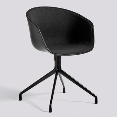 Über einen Stuhl AAC20 | Schwarz Pulverbeschichtetes Aluminium & Schwarz / Remix 183 Frontpolsterung