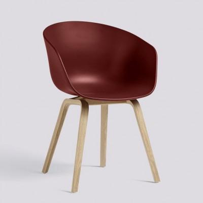 Über einen Stuhl AAC22 | Matt lackiertes Eichenfurnier & Ziegel