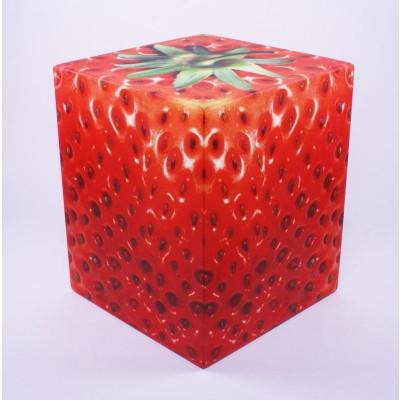 Auf allem Würfel sitzen | Erdbeere