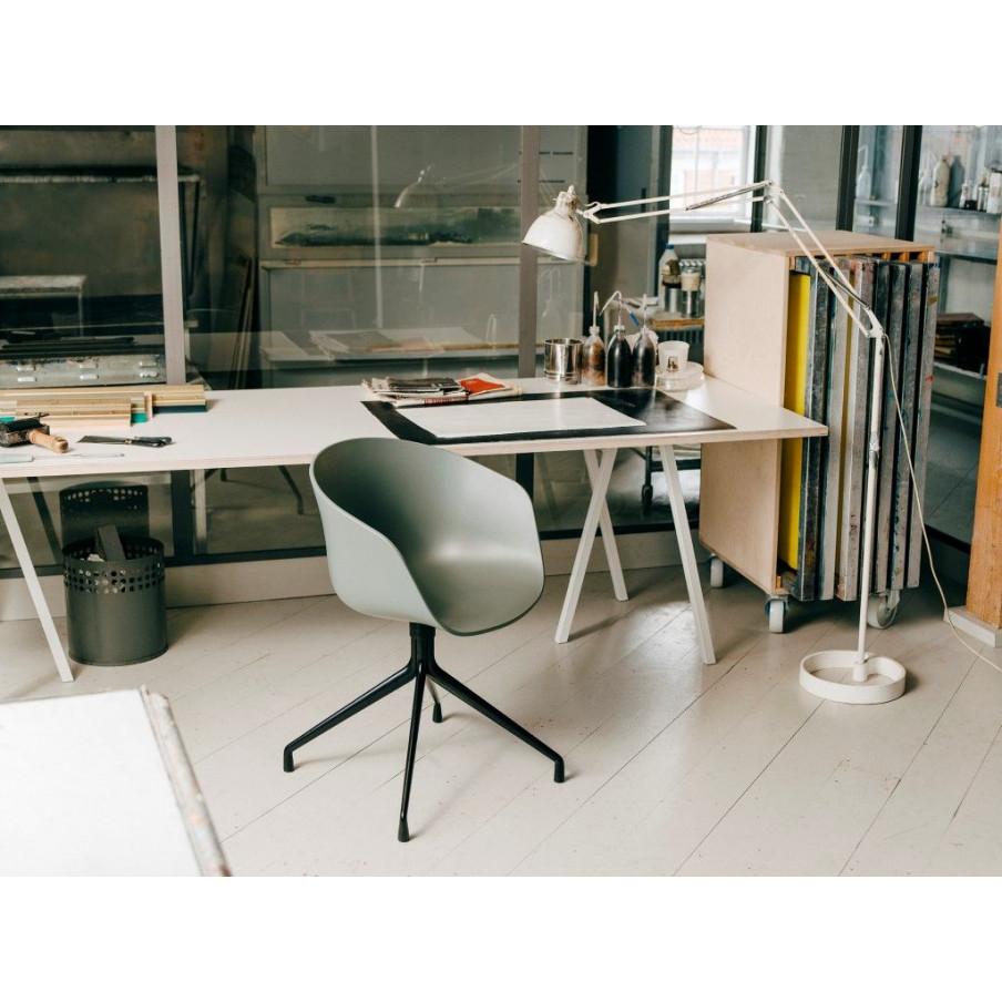 Schleifenständer-Tisch | Grau