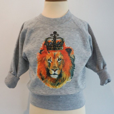 Sweater   Lion with Crown