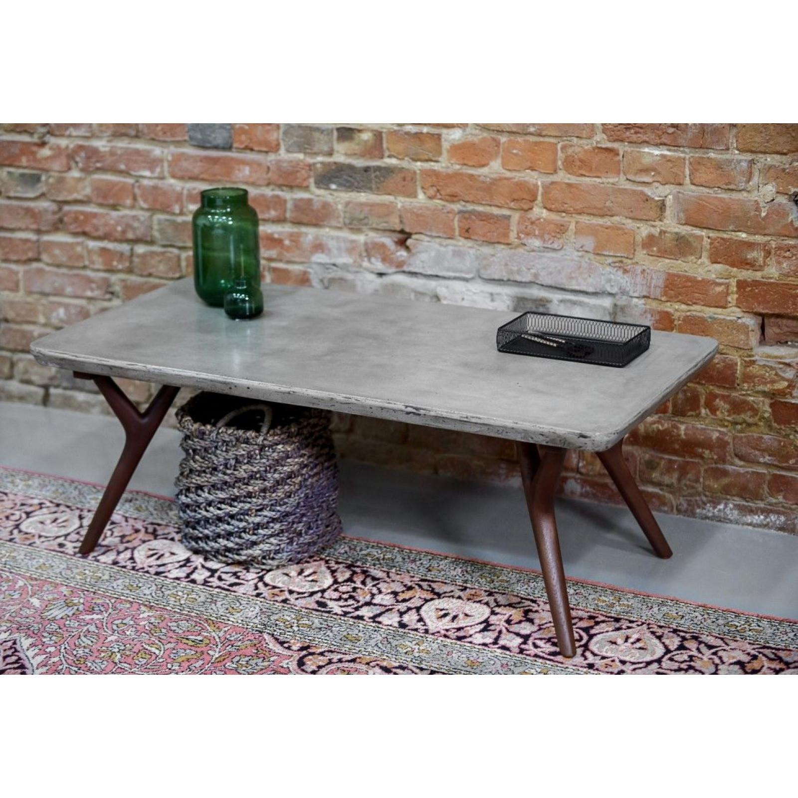 Table   Concrete & Wood