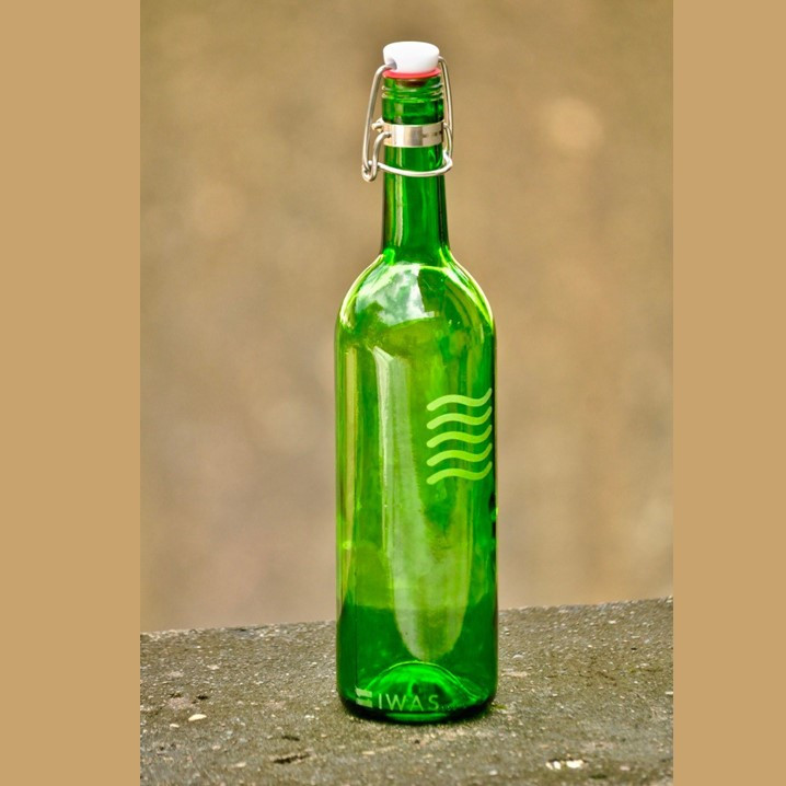 Wasserflasche mit Verschluss