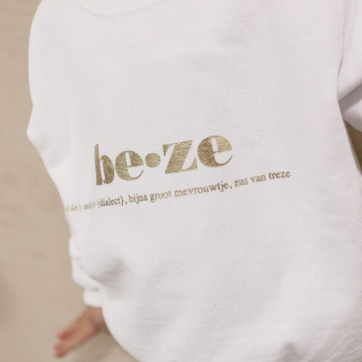 Beze Sweater