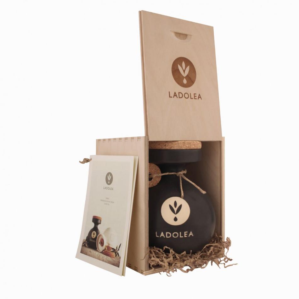 Extra Virgin Olive Oil   Black, wooden packaging