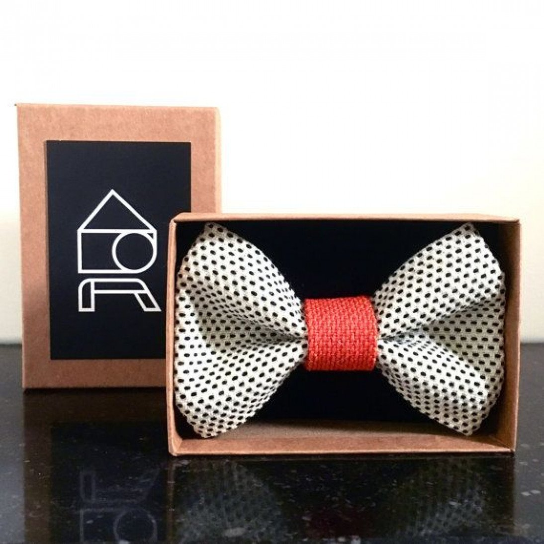 Yumi Bow Tie | Brown-Brown