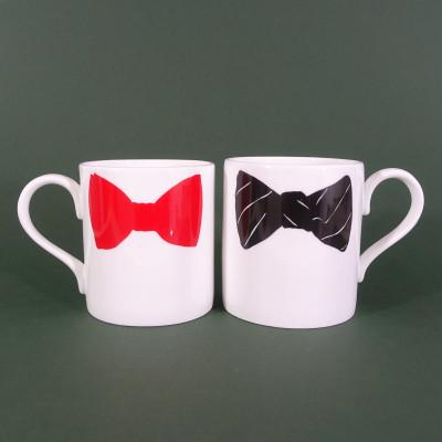 Becher Bow Tie Rot & Schwarz | 2er-Set