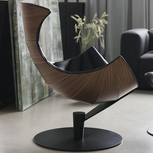 Lounge Chair Lobster | Walnut / Black Leather / Black Base