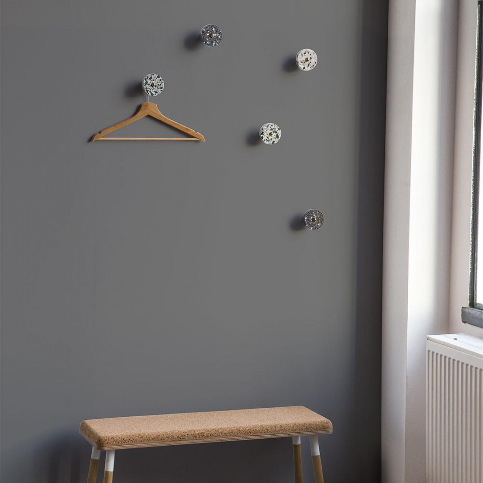Garderobenständer Cereall-Haken | Weiß & Nussbaumholz
