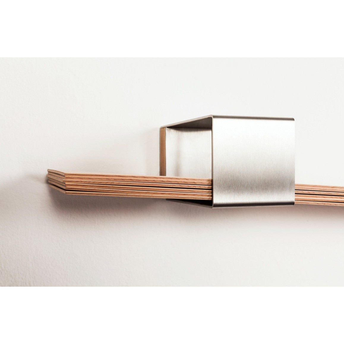 Wall Shelf Chuck | Silver