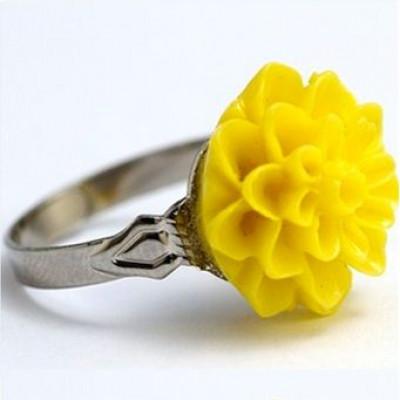 Dahlie Blume Ring Gelb