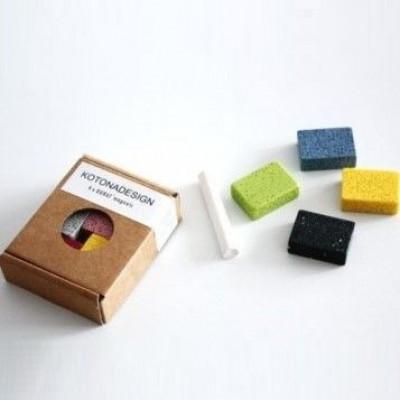 Schachtel mit Durat-Magneten mit Kreide