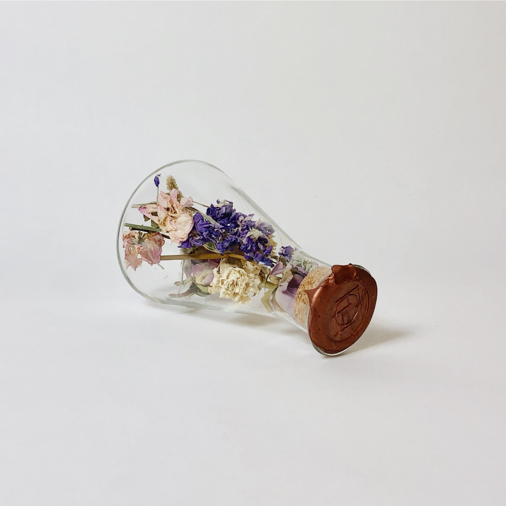 Erlenmeyer with Dried Flowers Large | Kibo Brass