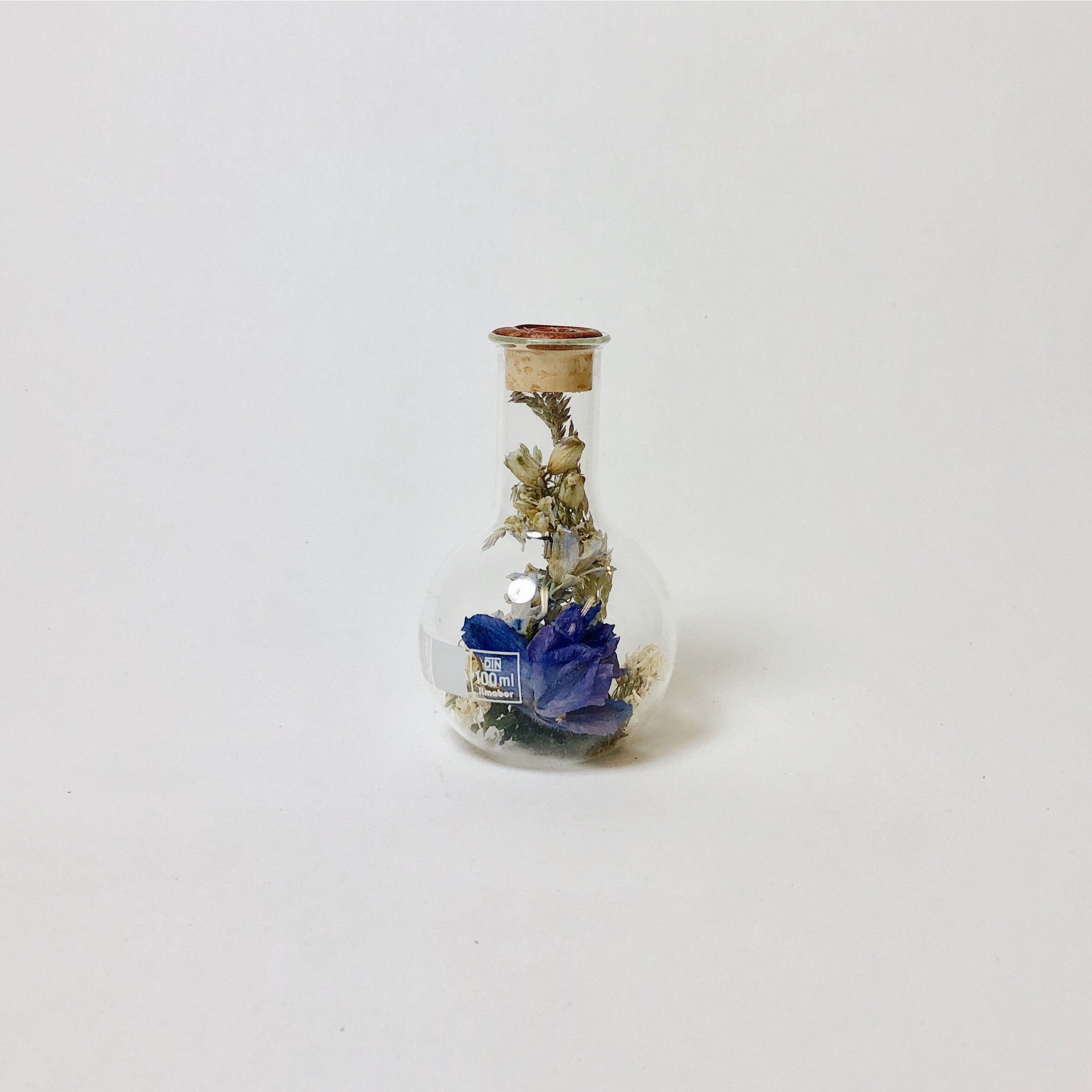 Round Belly Flask with Dried Flowers Small   Sperare Brass