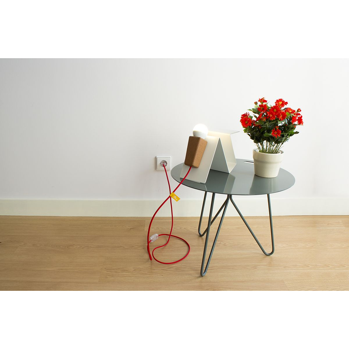 Seis Side Table | Matte Black