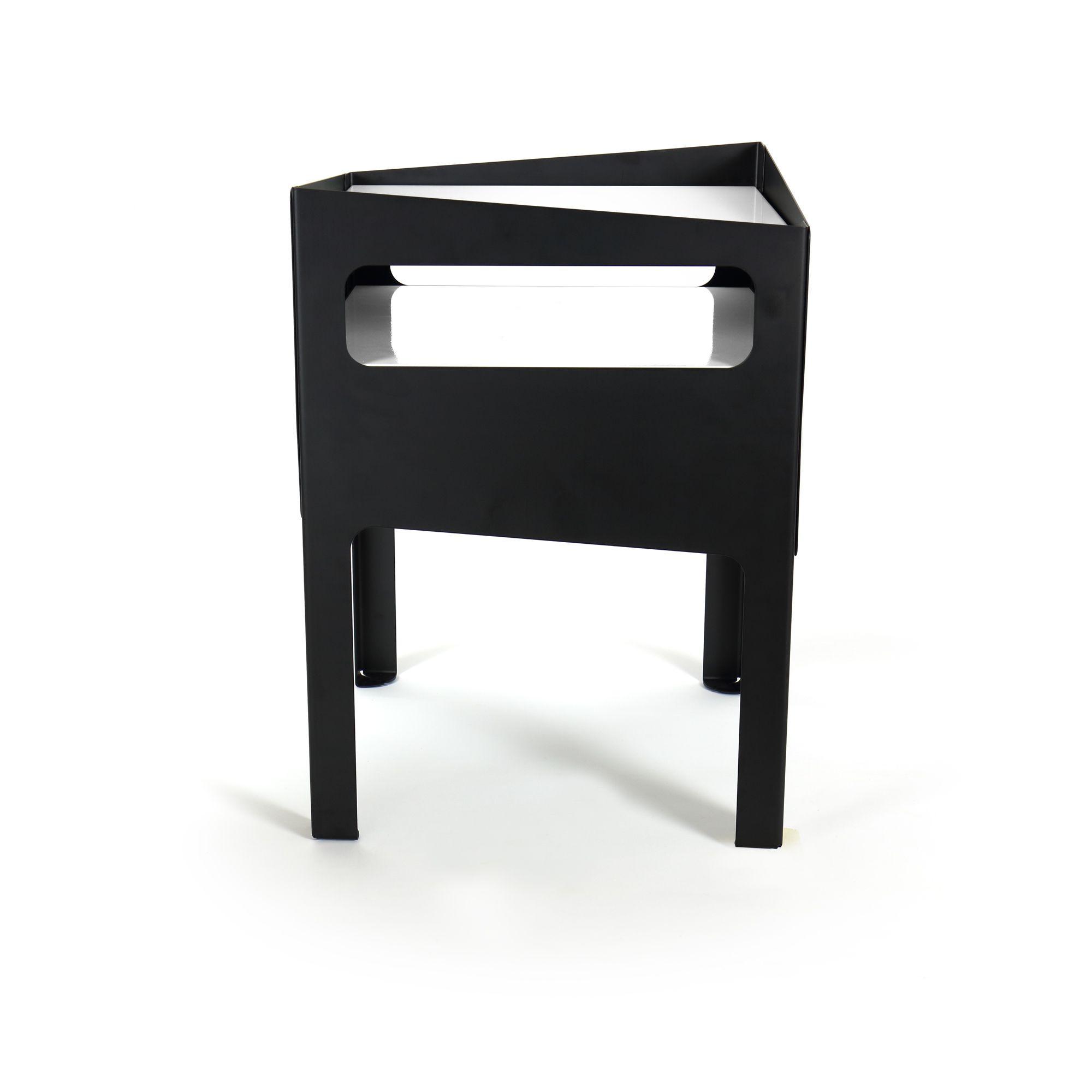 Trick Table   Black White