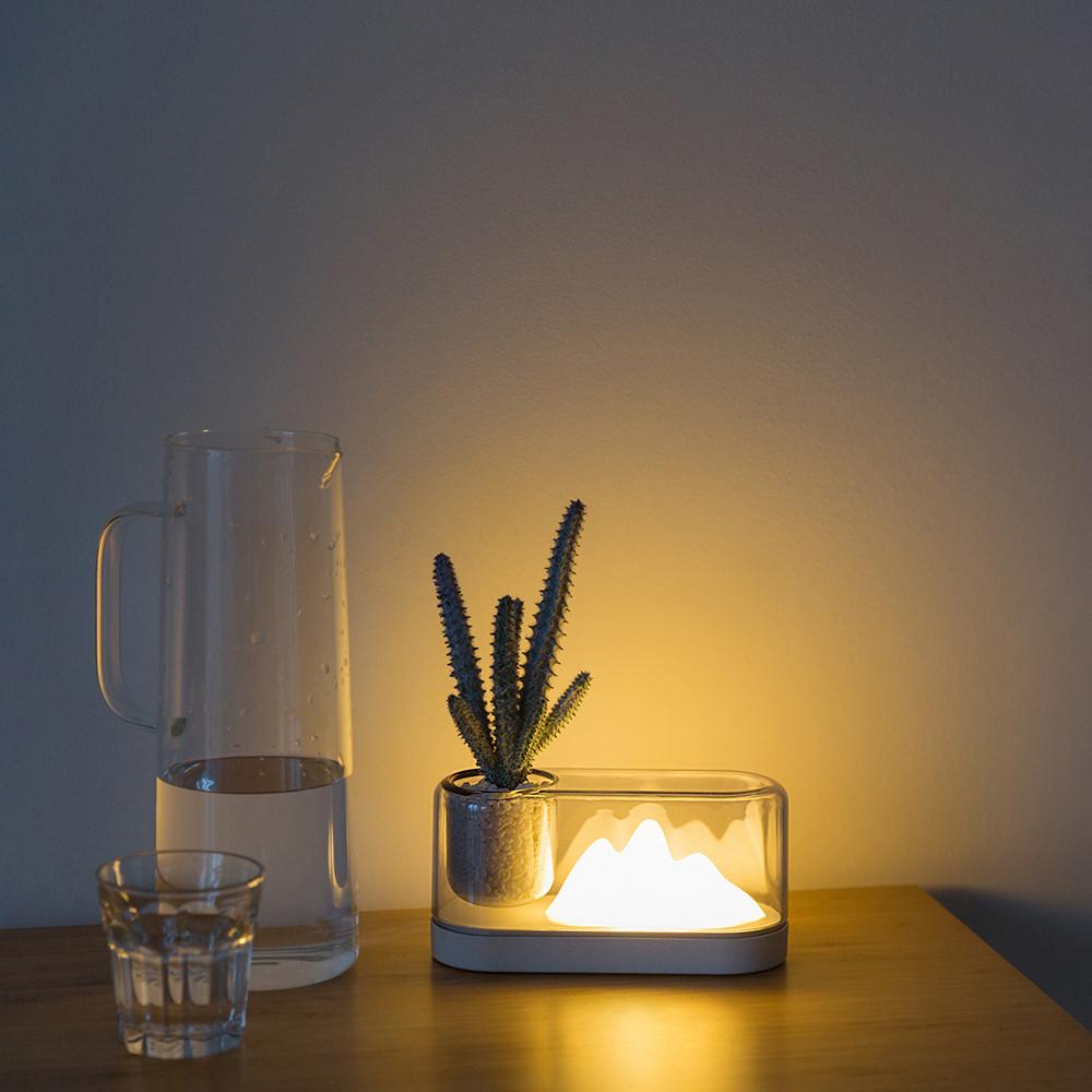 Schreibtischlampe in Bergform | Grau