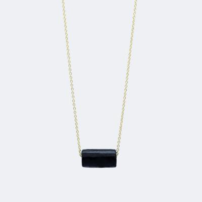 Goldene Halskette   Schwarze Perle
