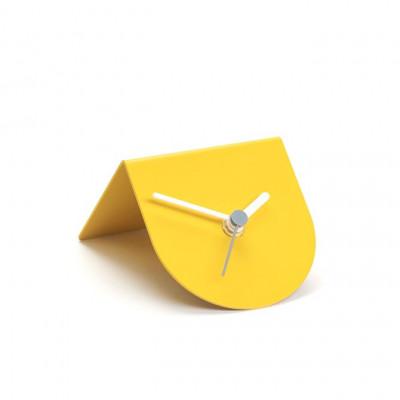 1/2 Uhr | Gelb