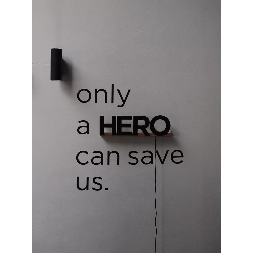 Uppercase HERO zwart