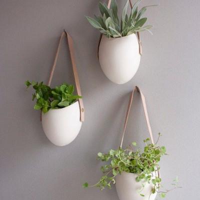 Set aus 3 kleinen Hängebehältern aus Porzellan und Leder